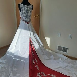 (XMAS)NWT Alfred Angelo White/Claret Wedding Dress